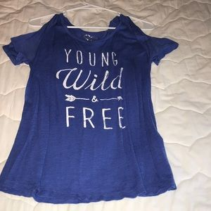 T-shirt with shoulder cut outs